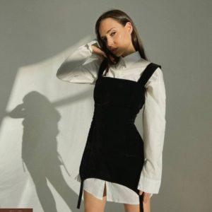 Купить черный комплект: платье с лямками + белая рубашка для женщин недорого