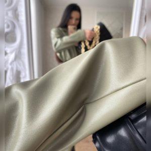 Приобрести недорого фисташковый удлиненный пиджак из эко кожи на замше для женщин