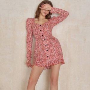 Купить красное женское платье-рубашка в цветочек из штапеля по скидке