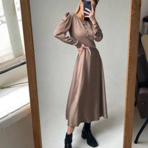 Купить цвета мокко женское шелковое платье миди с жемчужными пуговицами недорого