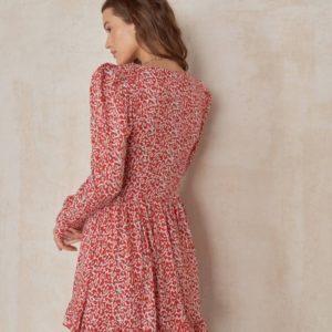 Заказать женское платье-рубашка в цветочек из штапеля красного цвета онлайн