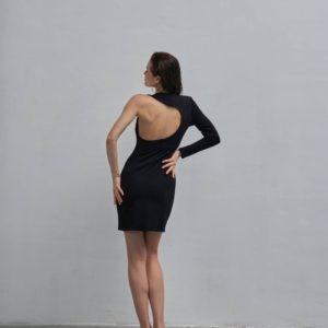 Купить женское платье черного цвета длины мини с одним рукавом по низким ценам
