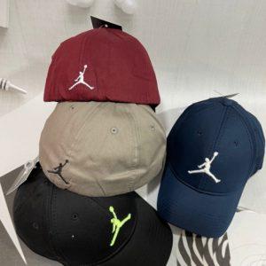 Купить на распродаже женскую и мужскую бейсболку с эмблемой дешево Jordan Air синюю, черную, беж, бордо