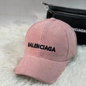 Заказать онлайн розового цвета кепку Balenciaga из вельвета для женщин