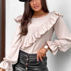 Приобрести бежевого цвета блузу женскую с рюшей и рукавами-колокольчиками в Украине