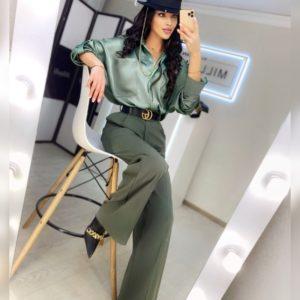 Купить по скидке женские брюки свободного кроя на высокой посадке цвета оливка