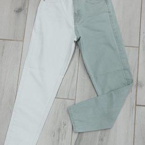 Заказать голубые женскиеджинсы свободного кроя с белой штаниной онлайн