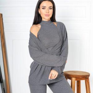 Купить серый трикотажный женский костюм тройка с топом под шею (размер 42-52) недорого