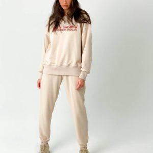 Заказать в интернет-магазине женский спортивный костюм со свитшотом с надписью (размер 42-50) цвета пудра