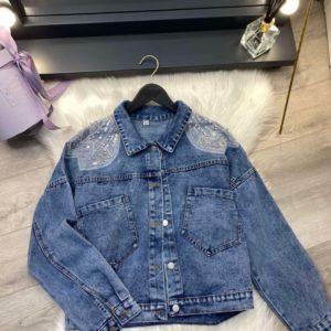 Заказать онлайн женскую куртку джинсовую с декором голубую