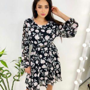 Заказать черное шифоновое женское платье в цветочный принт с поясом по скидке