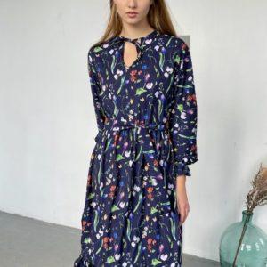 Заказать онлайн синее цветочное платье с завязкой на шее (размер 42-52) для женщин