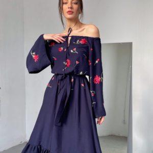 Заказать онлайн синее платье для женщин миди с цветами и открытыми плечами (размер 42-52)