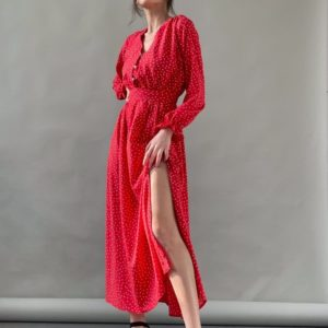 Заказать красное платье миди для женщин в горошек с разрезом на ноге (размер 42-52) онлайн
