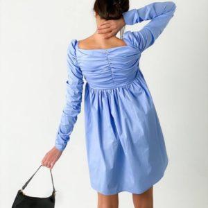 Приобрести по скидке женское милое платье с оборками голубого цвета и длинным рукавом дешево