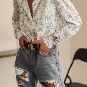 Заказать онлайн белую рубашку женскую с длинным рукавом с лицами трендовую