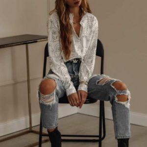 Купить модную женскую рубашку с длинным рукавом белого цвета с лицами в интернете