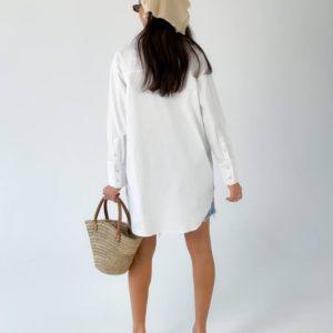 Заказать удлиненную белую рубашку для женщин свободного кроя (размер 42-50) по скидке