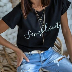 Заказать черную футболку базовую из коттона с надписью Simplicity онлайн для женщин