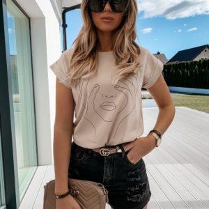 Заказать бежевую принтованную женскую хлопковую футболку (размер 42-50) недорого