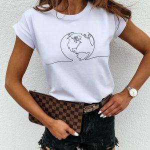 Заказать женскую футболку с принтом планета белого цвета в Украине