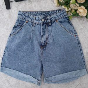 Заказать голубые джинсовые женские шорты Мом с защипами дешево