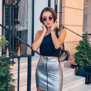 Приобрести серебристую женскую виниловую юбку со змейкой по низким ценам