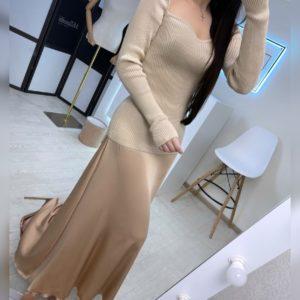 Приобрести золотого цвета юбку миди женскую из шелка армани на распродаже
