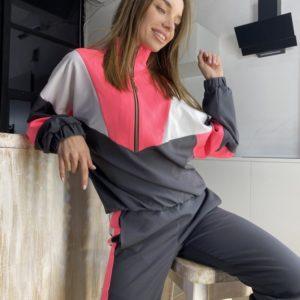 Купить дешево трендовый женский спортивный костюм с манжетами на резинке серого цвета