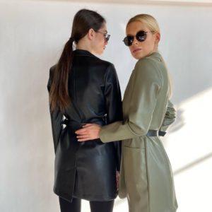 Заказать онлайн пиджак черный, оливка из эко кожи с поясом недорого