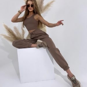 купить костюм в шоколадном цвете топ + штаны с разрезом по низкой цене