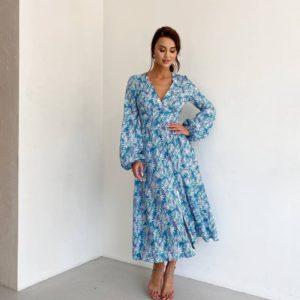 летнее женское платье голубого цвета с цветочным принтом по выгодной скидке