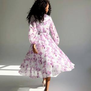 Качественное женское платье из шифона в розовом цвете с цветочным принтом