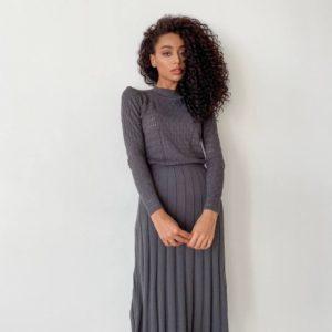 заказать тёмно-серое платье с длинным рукавом по выгодной цене