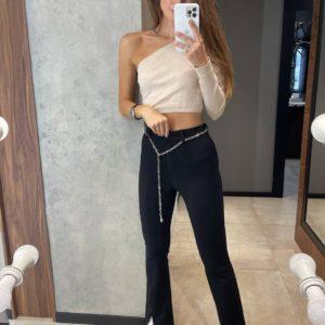 купить расклешённые женские брюки с цепью в чёрном цвете по выгодной скидке онлайн