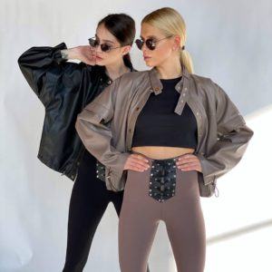 заказать женскую куртку цвета мокко из эко-кожи из весенней коллекции по низкой цене