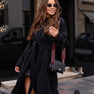 заказать чёрное пальто с поясом из весенней коллекции по низкой цене