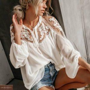 Заказать белого цвета свободную блузу из шифона женскую с кружевом онлайн