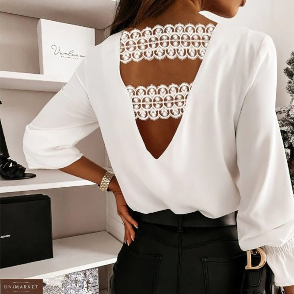 Приобрести белого цвета женскую блузу из софта с открытой спиной (размер 42-56) недорого