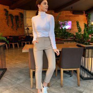 Приобрести недорого женские брюки с подворотами из шерсти бежевого цвета