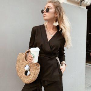 Купить черный женский костюм из льна на запах с шортами (размер 42-48) в интернете