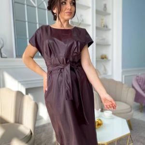 Заказать недорого бордовое платье из эко кожи с коротким рукавом и поясом (размер 50-56) для женщин