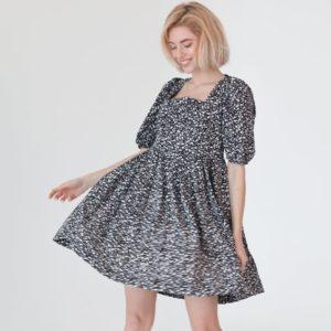 Купить черное свободное женское платье с открытой спиной (размер 42-48) недорого