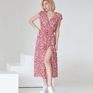 Купить по низким ценам женское цветочное платье на запах красное из штапеля (размер 42-48)