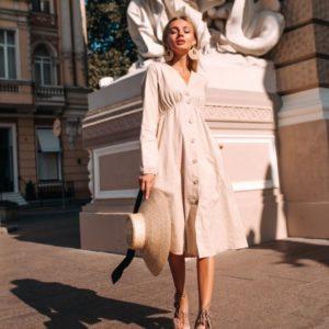 Купить бежевое свободное платье для женщин из стрейч льна (размер 42-48) в Украине