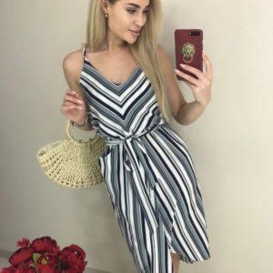 Заказать серое асимметричное женское платье в вертикальную полоску по низким ценам