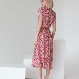 Заказать недорого красное цветочное платье на запах из штапеля (размер 42-48) для женщин
