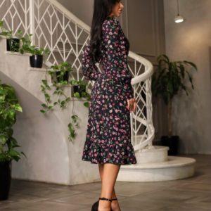 Купить выгодно цветочное черное платье с разрезом и воротником (размер 42-48) для женщин