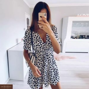 Заказать белое женское платье с принтом недорого с V-образным вырезом