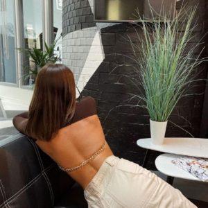 Купити вигідно коричневого кольору топ-гольф з відкритою спиною на ланцюгу для жінок